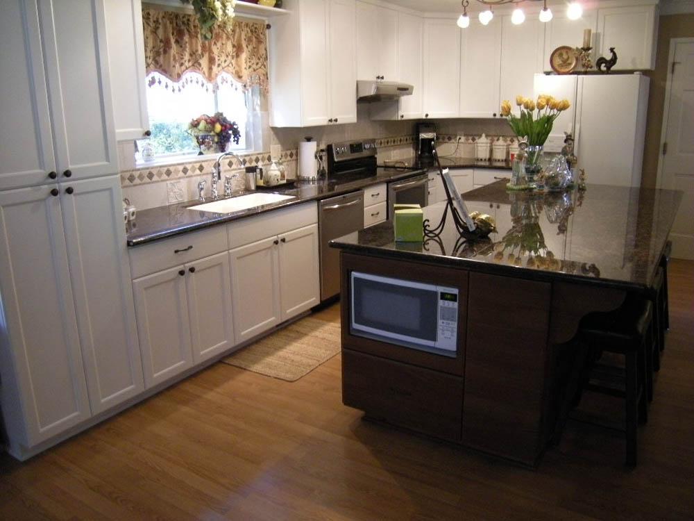 Custom kitchen cabinets mandina 39 s custom cabinets for Kitchen cabinets 51